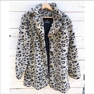 Beautiful Blanc Noir Faux Fur Leopard Coat